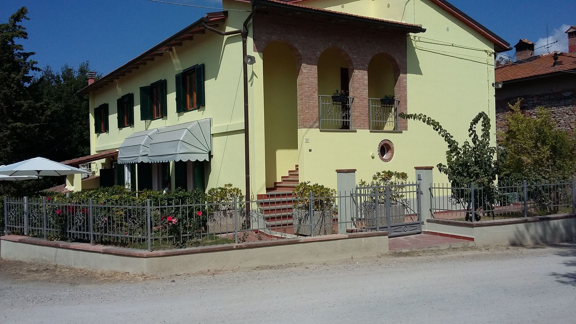 Beauty At Home Castelfiorentino villa benedetta: villa that sleeps 12 people in 6 bedrooms