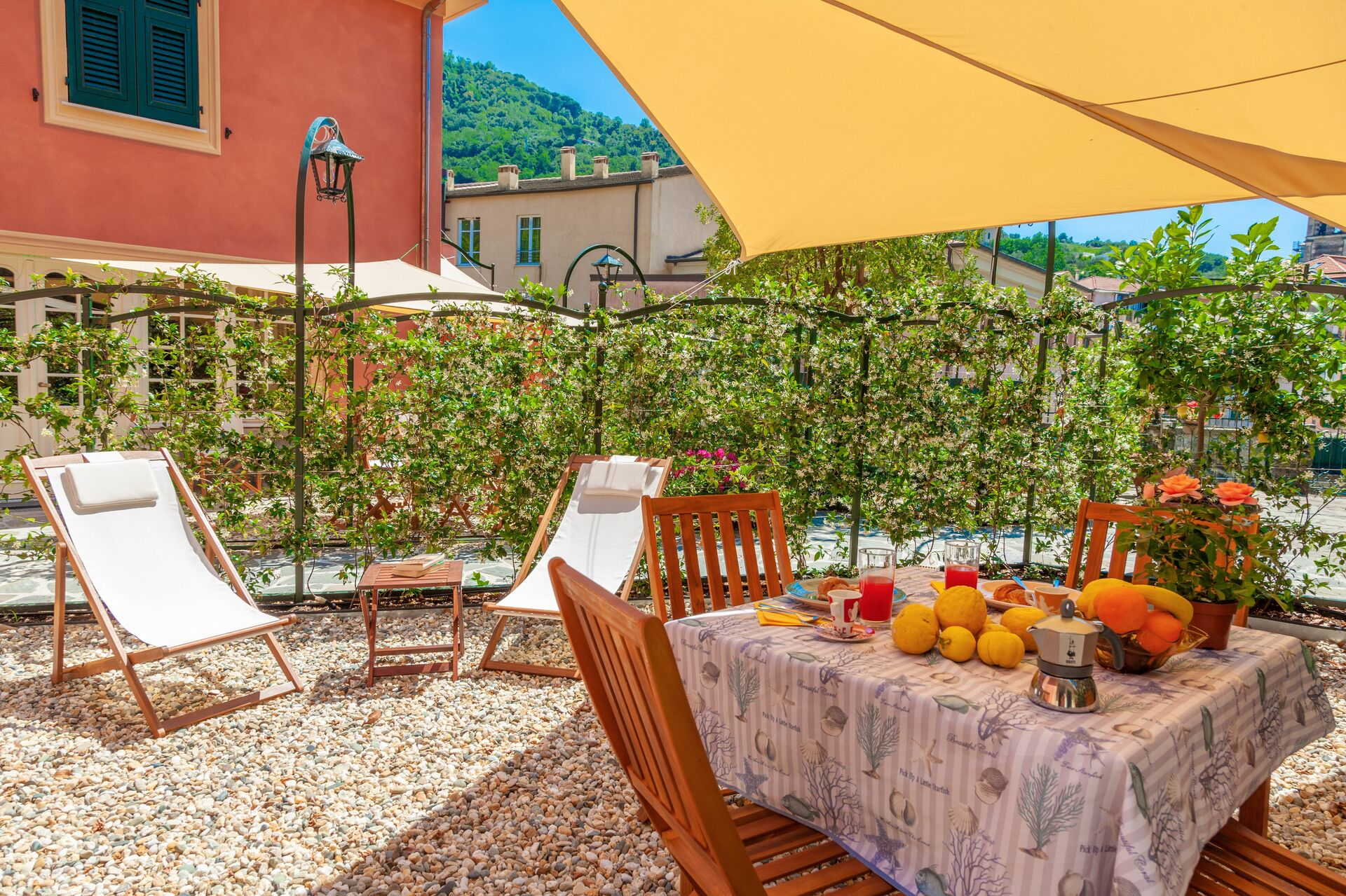 Portovecchio Apartments Levanto Villa That Sleeps 20 People In 6 Bedrooms Located In Levanto Liguria Italy